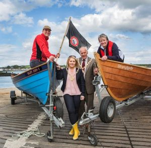 Robbie Wightman, SCRA, Newry, Mourne & Down DC's Naomi Bailie; Mayor of Ards & North Down BC Alderman Alan Graham; & Isabel Hood, SLLP prepare for the 2016 Skiffleworlds in County Down. (c) SCRA